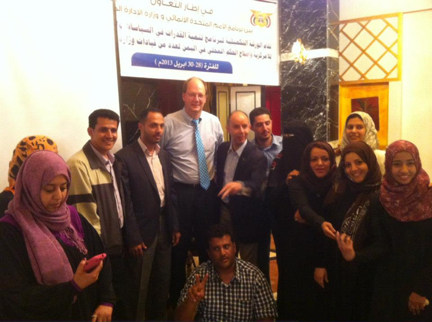 Dr. Williams w  orking with the Youth Delegation to the Yemeni National Dialogue.