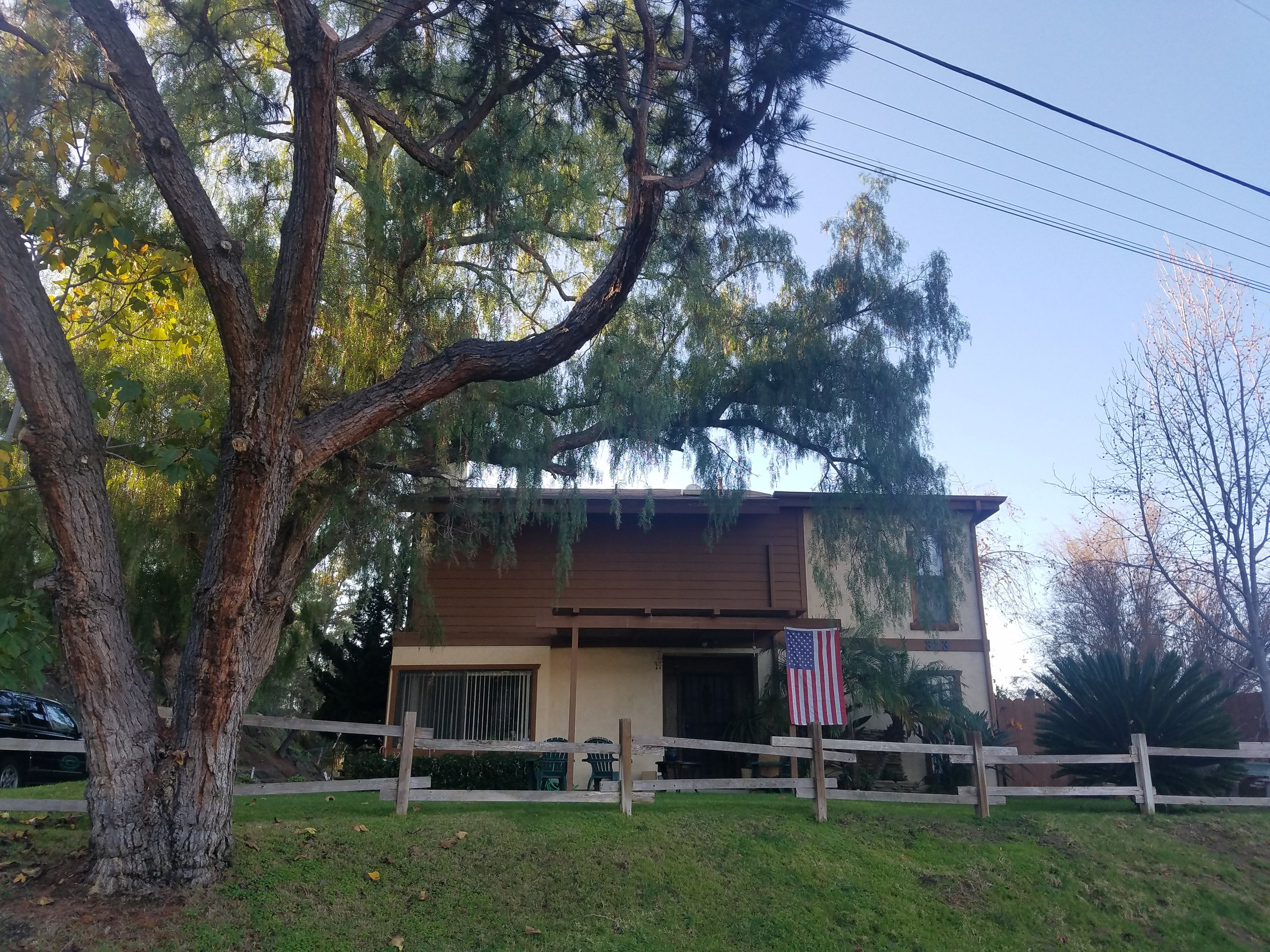323 & 325Amber Lane,Vista, CA92084 -