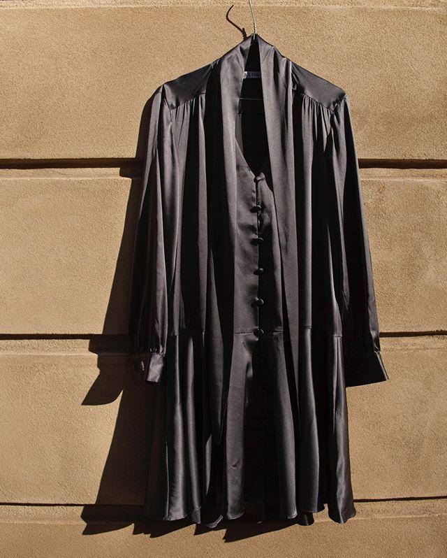 New season, new shades - the silk dress in Dark Smoke 🌒 #beigeshop #silk #slowfashion