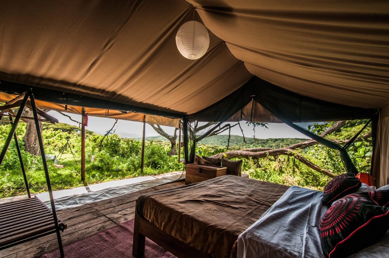 big_1380890925(2)Ang'ata_Ngorongoro_-_Kingsize_Bed_Tent-4.jpg