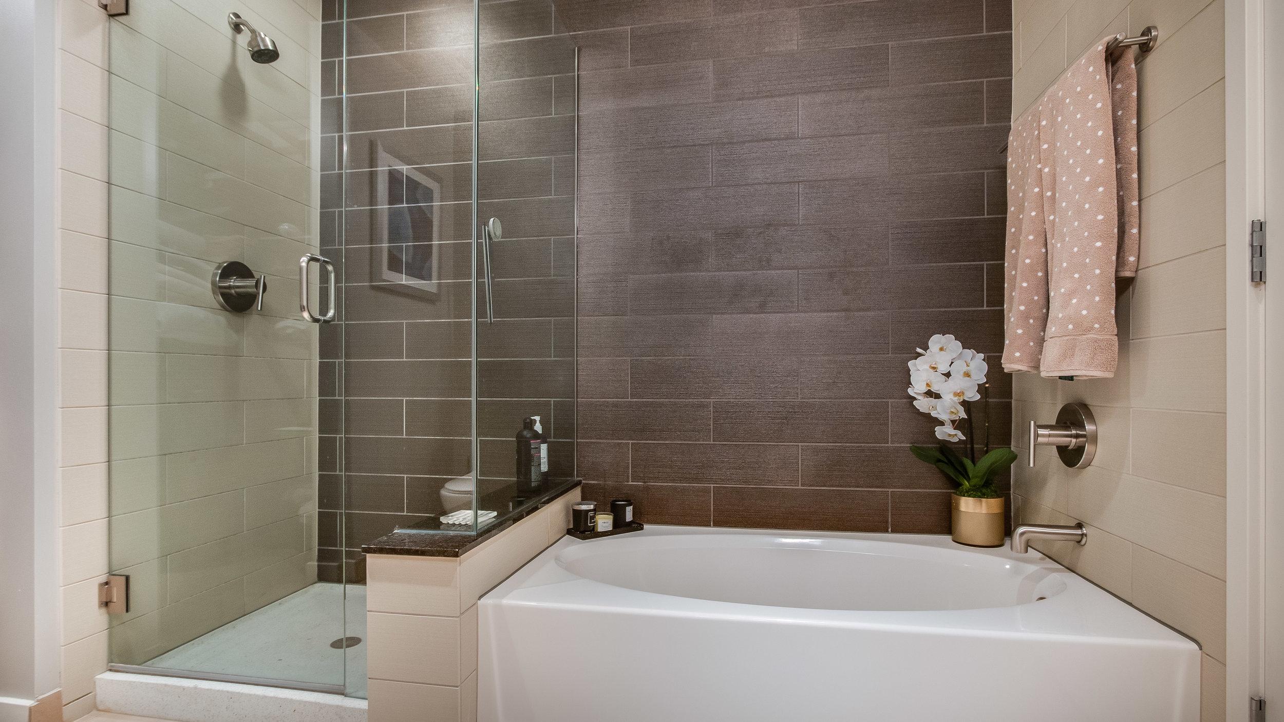 16 spire3508 Master Bath and Shower.jpg