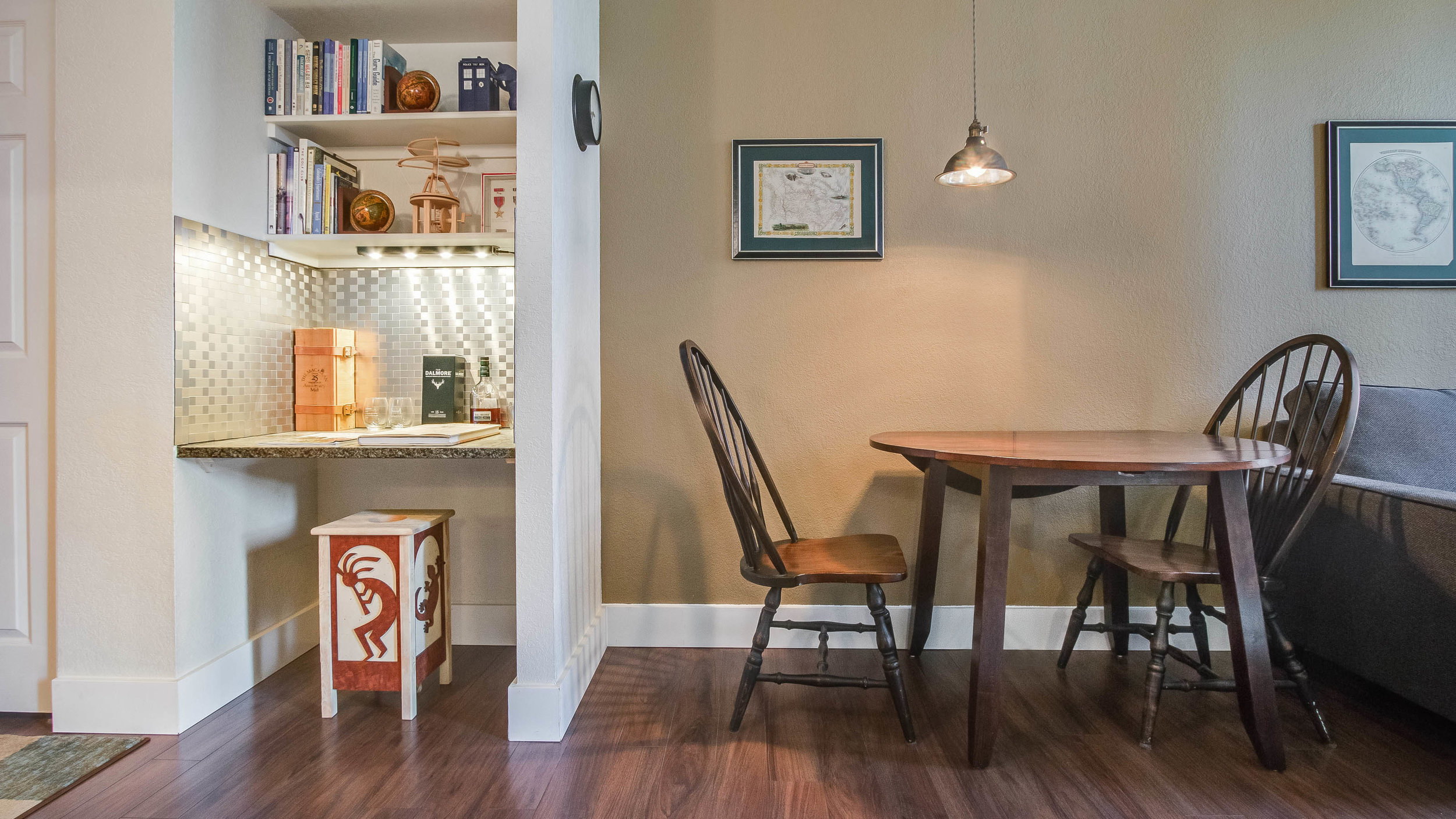 09 44417th206 Dining and Desk (14).jpg