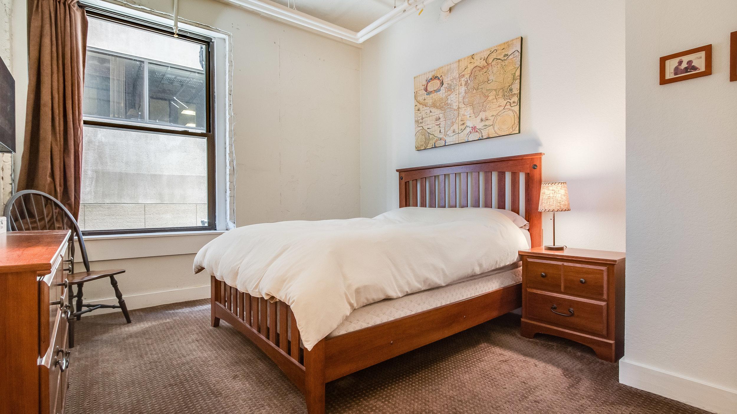 13 44417th206 Bedroom 1 (12).jpg