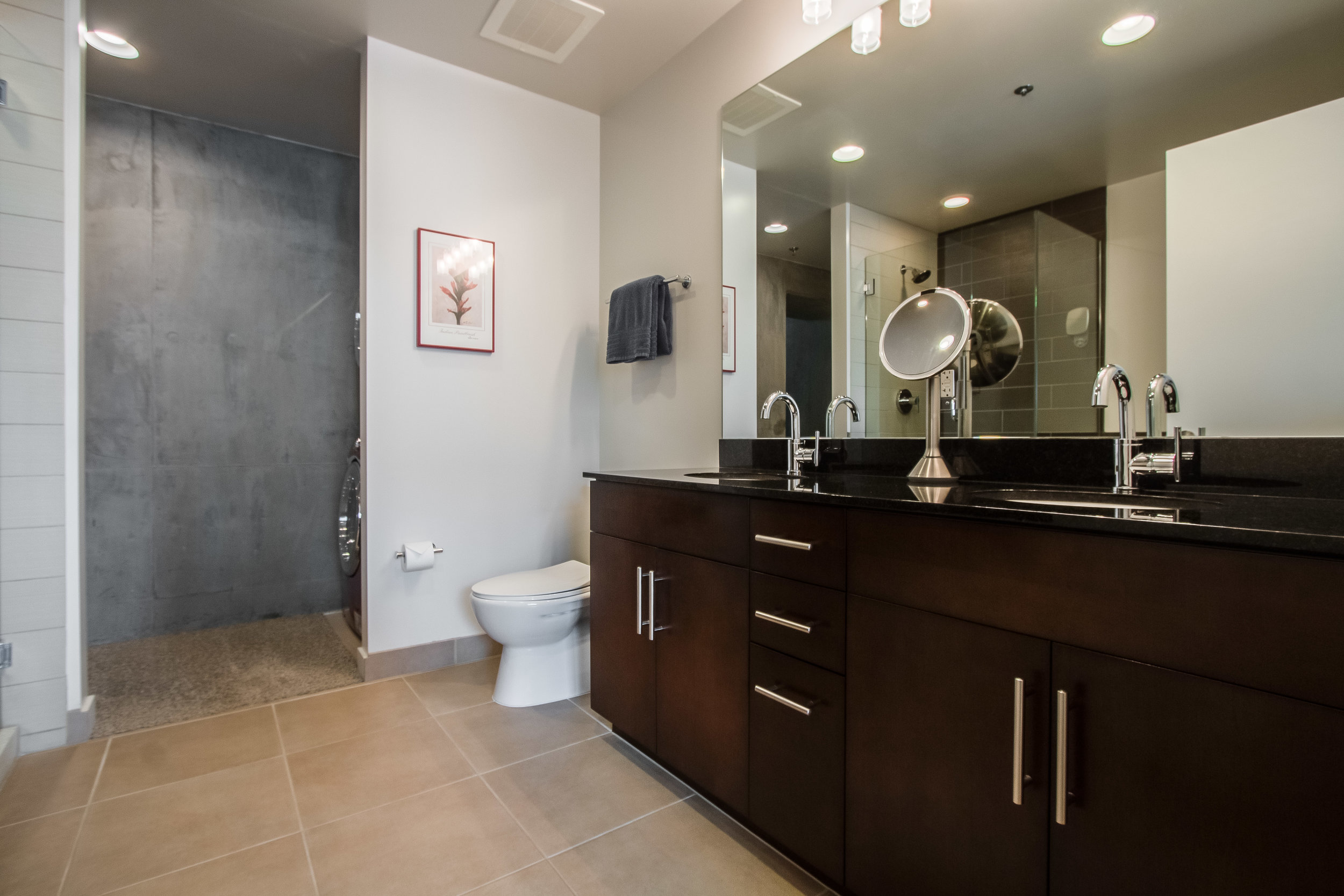Spire 1810 Master Bathroom .jpg