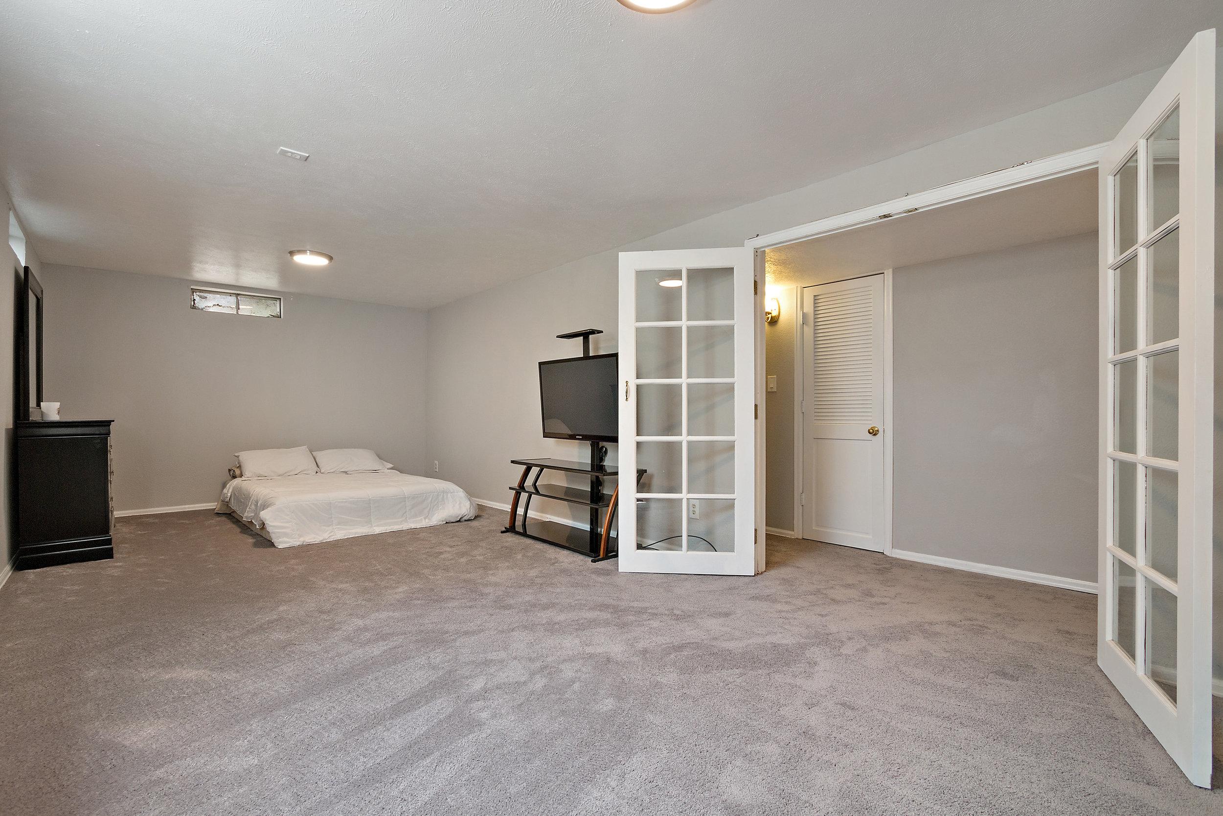 16-Lower Bedroom Flex Space.jpg