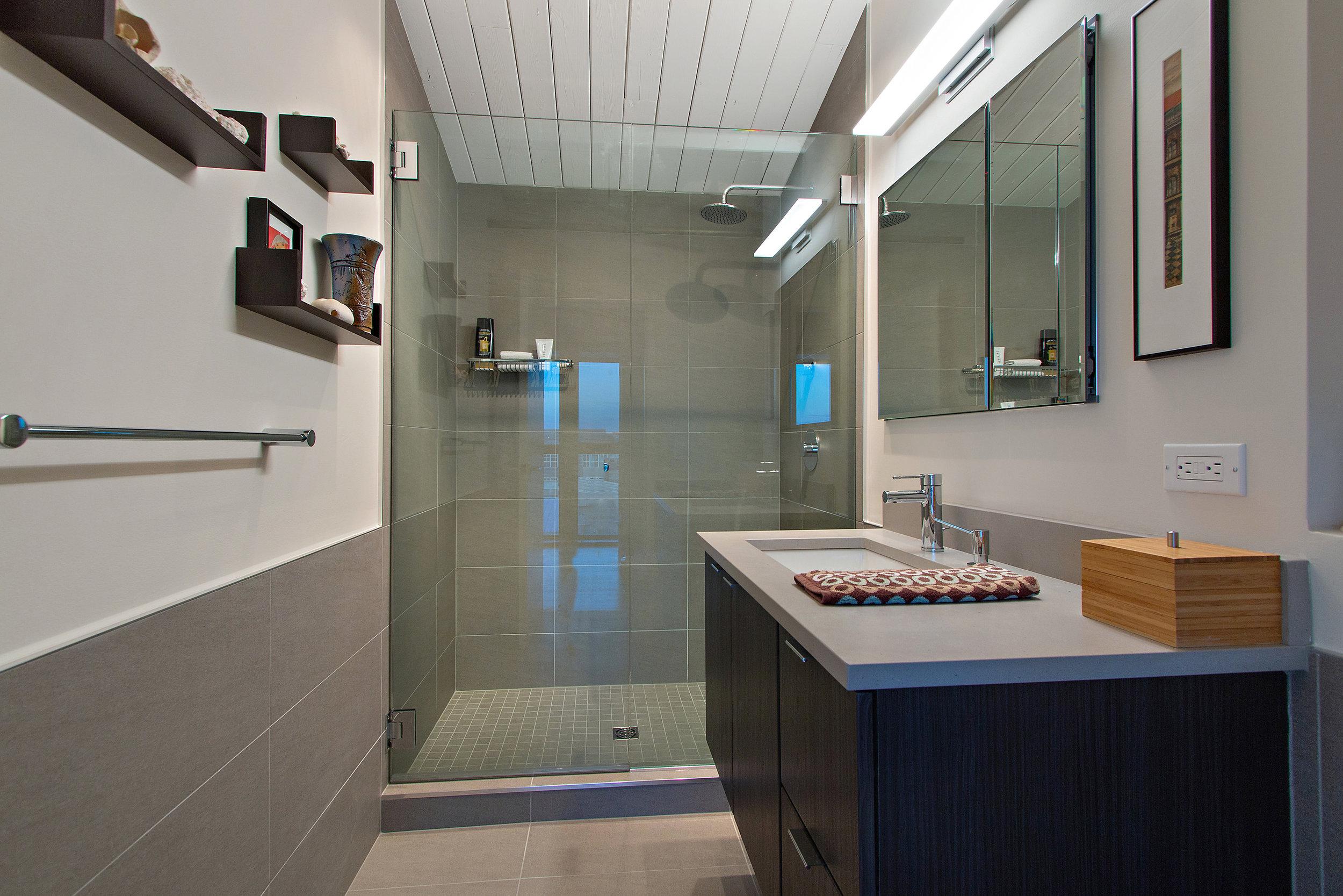Master Bathroom .jpg