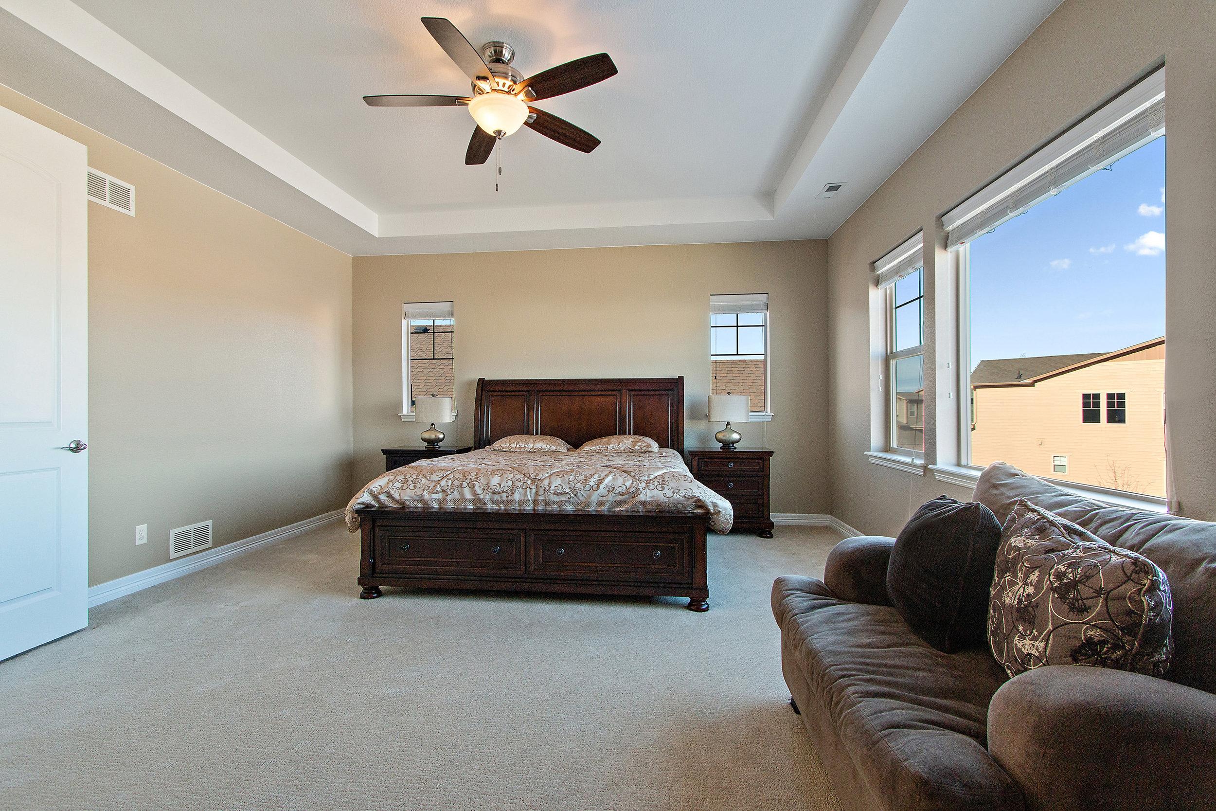 17 Master Bedroom.jpg