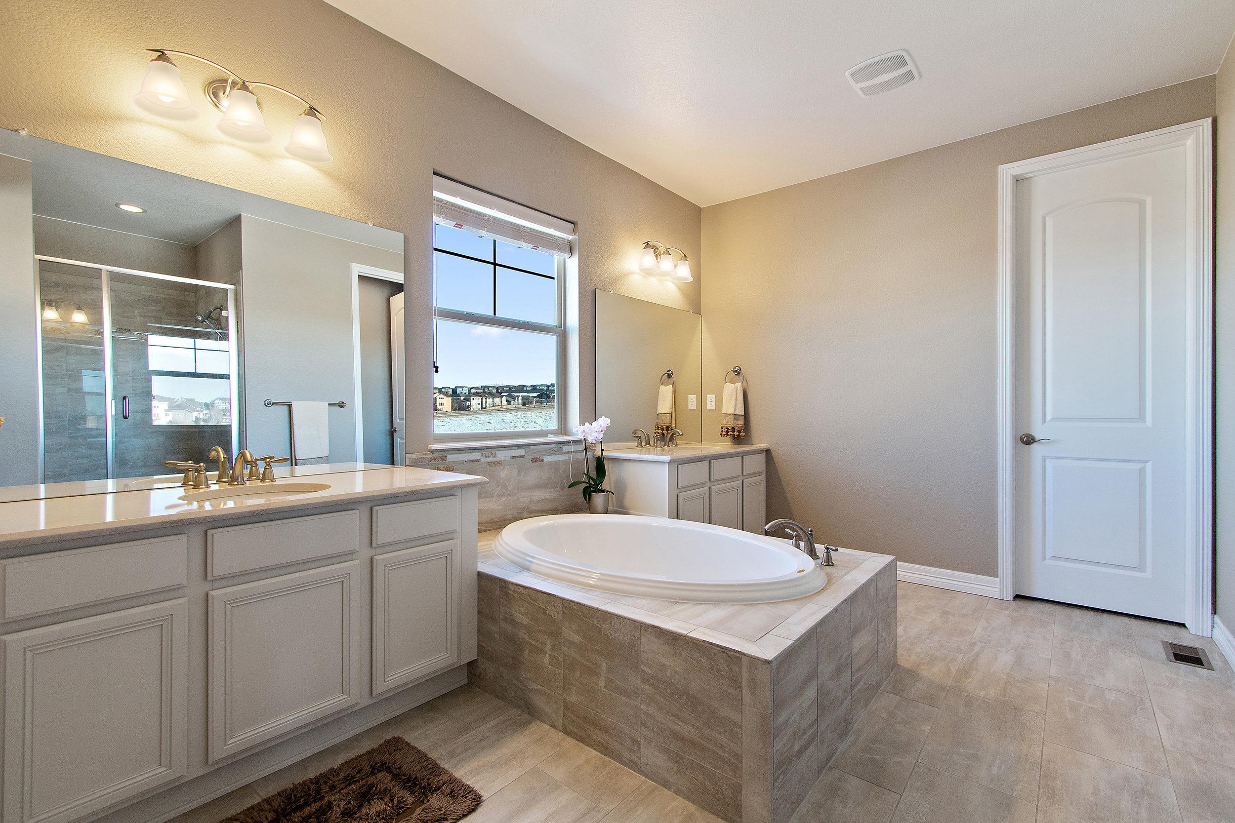20 Master Bathroom.jpg
