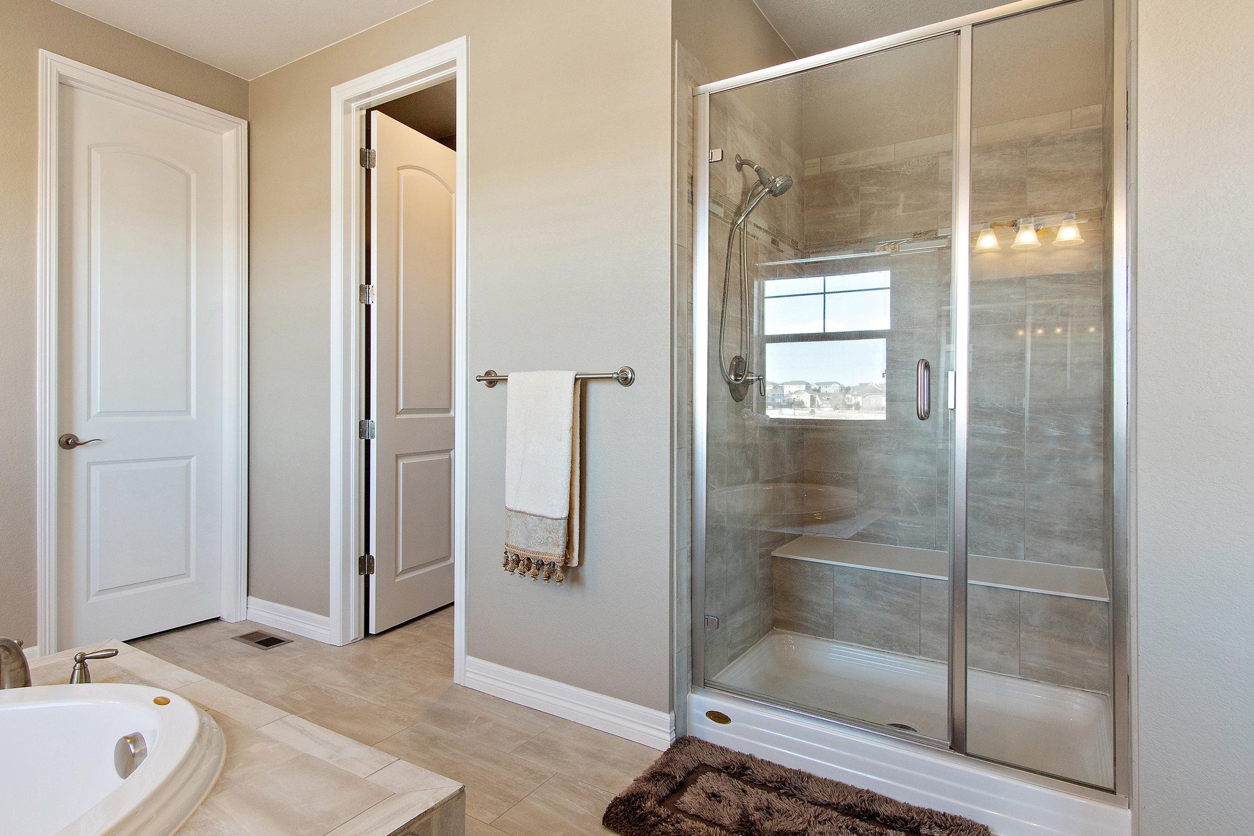 22 Master Bathroom.jpg