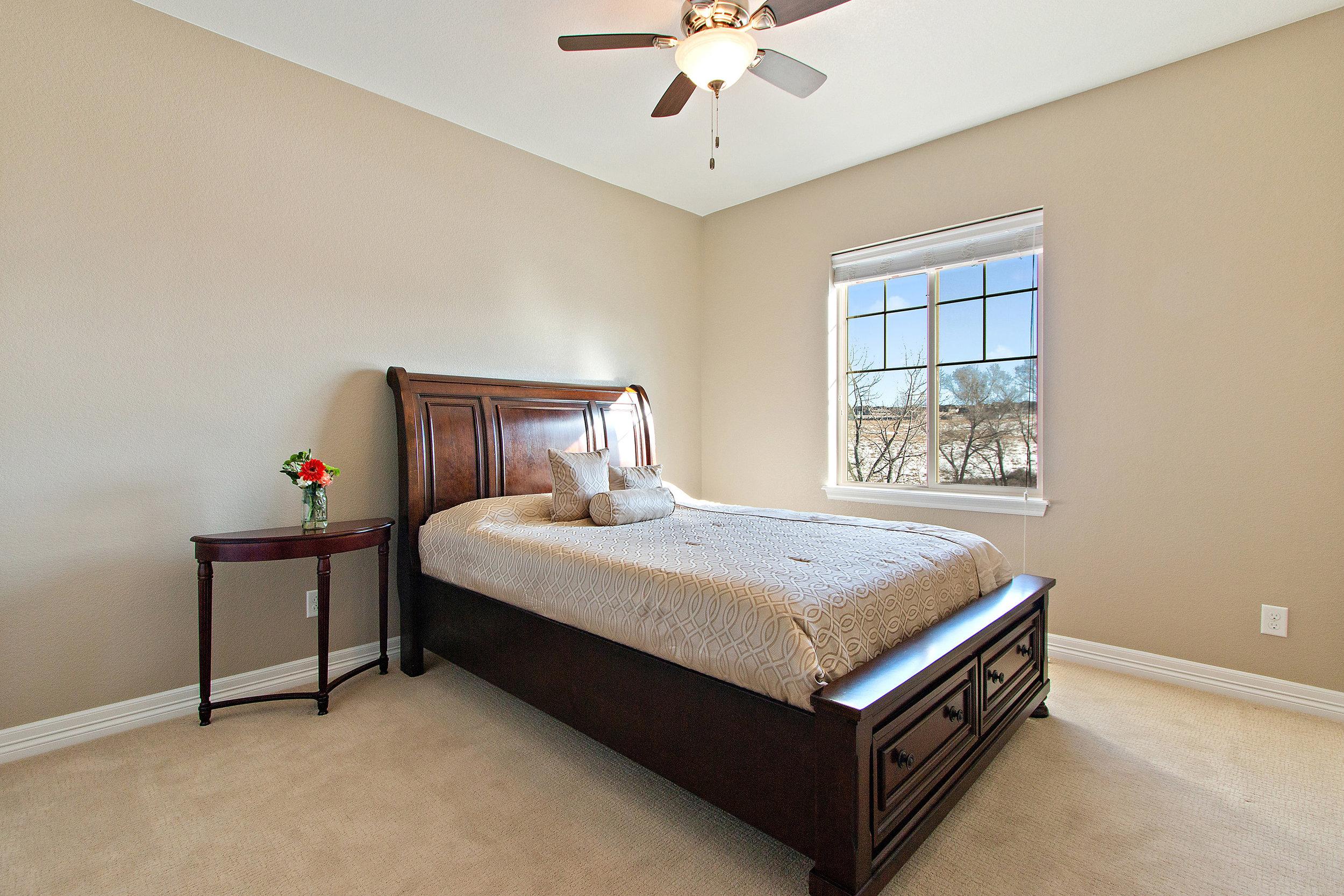 25 Bedroom 3.jpg