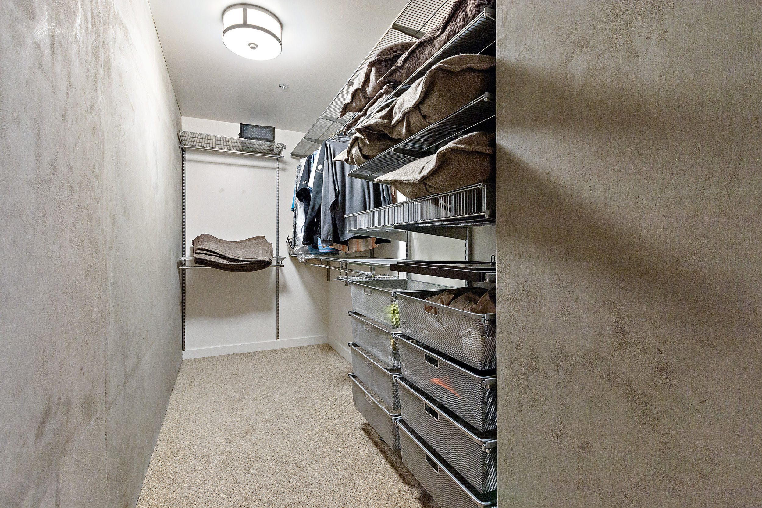 12 Spire 910 Master Closet.jpg