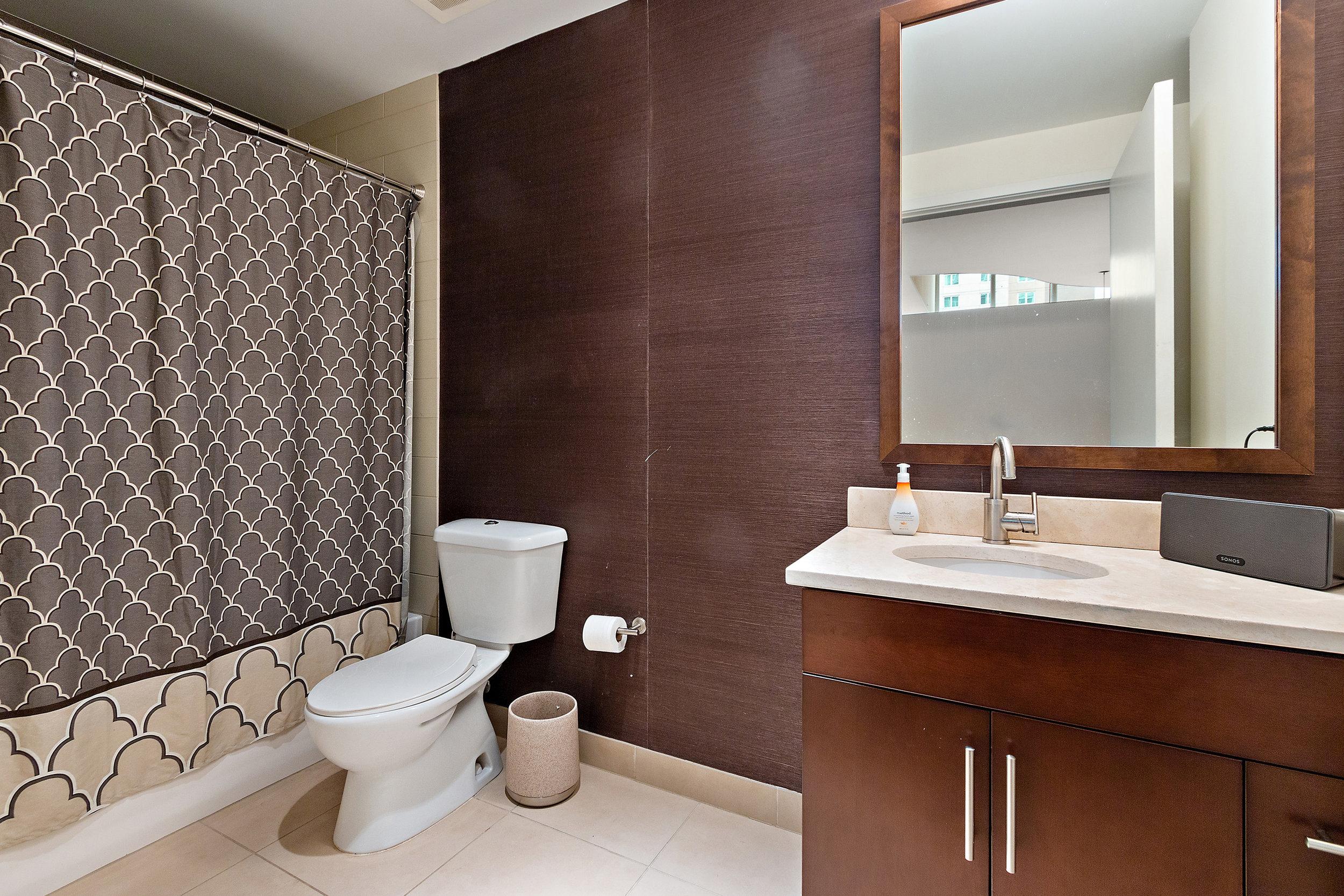 16 Spire 910 2nd Bathroom.jpg