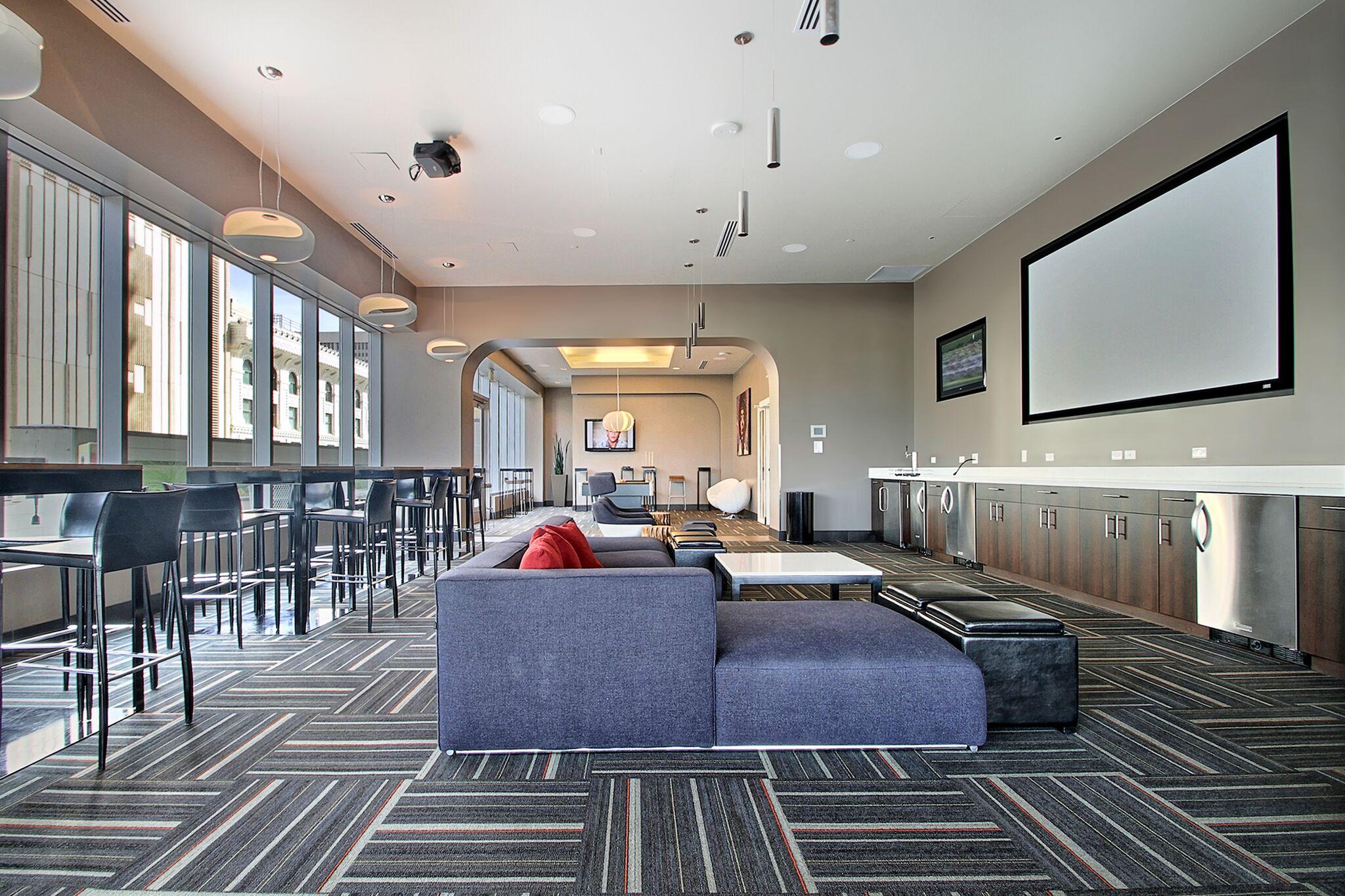 28 Lounge.jpeg