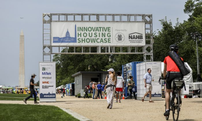 The Innovative Housing Showcase showcased 18 exhibitors in innovative housing prototypes and services on the National Mall. (Samaira Bouaou / The Epoch Times, June 1 2019)