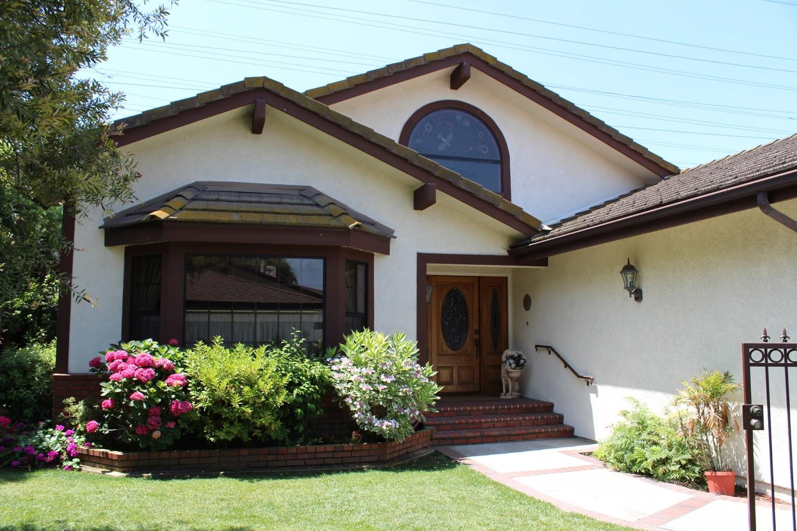 Margarets House Outside.JPG