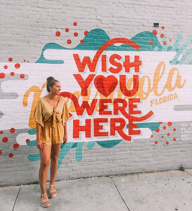 Back home from vacay && missing it already 🤩 This romper from @sheisbtq is flawless and perfect for any vacay 🧡 #palafoxmural