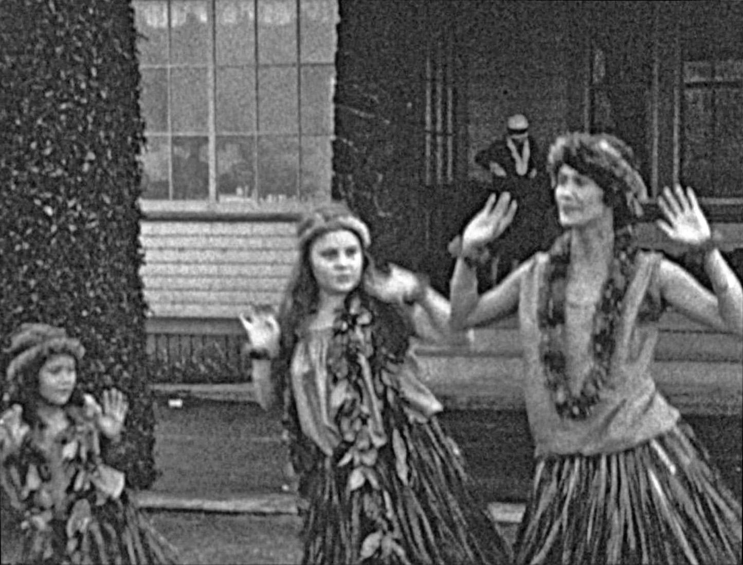 Nona, Helen (Baby) & Harriet Beamer