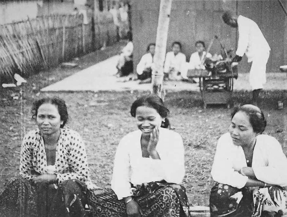 Three Ladies in Saigon