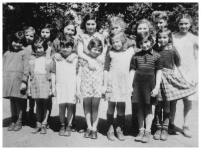 Simone Kleene/Ruth Klein, Eve Kleen/Eva Klein, Rose Kleene/Rosel Klein - Sugny 1944
