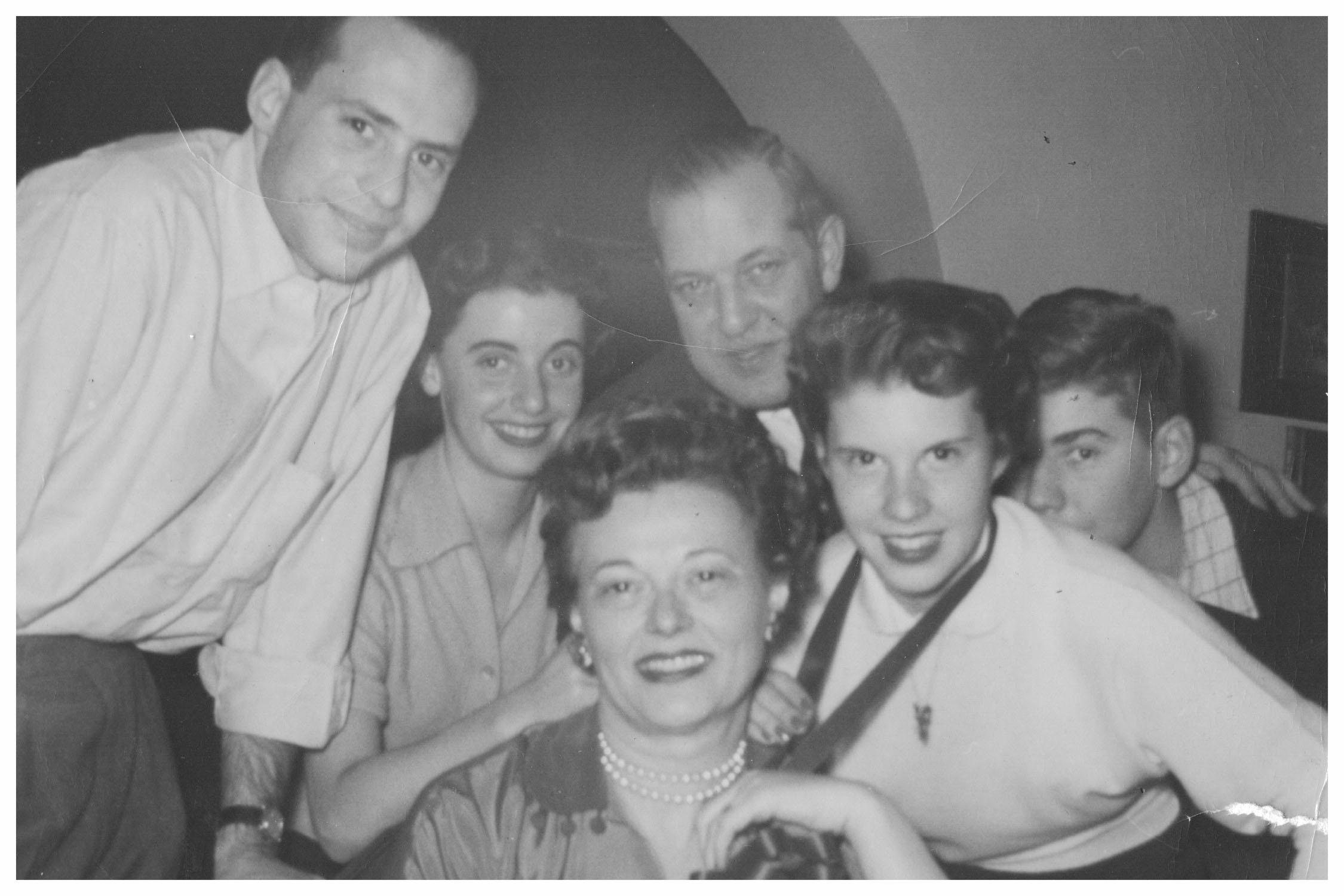 Roselle in her blended family - Montreal 1952