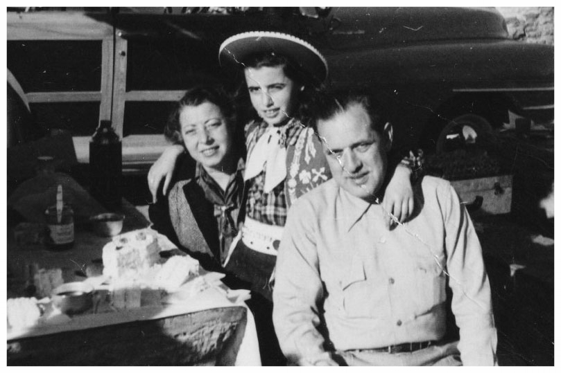 Roselle with Moe & Mildred - Arizona 1949