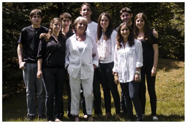 Roselle (center) with her 8 grandchildren - 2012 L - R: Jeremy, Alison, Isaac, Daniel, Elana, Eden, Adam, Loren