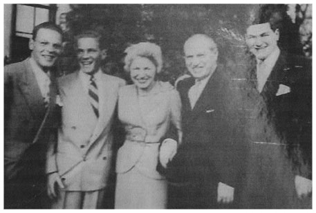Ralph with his mother, father and brothers - 2 years after emigrating to the United States