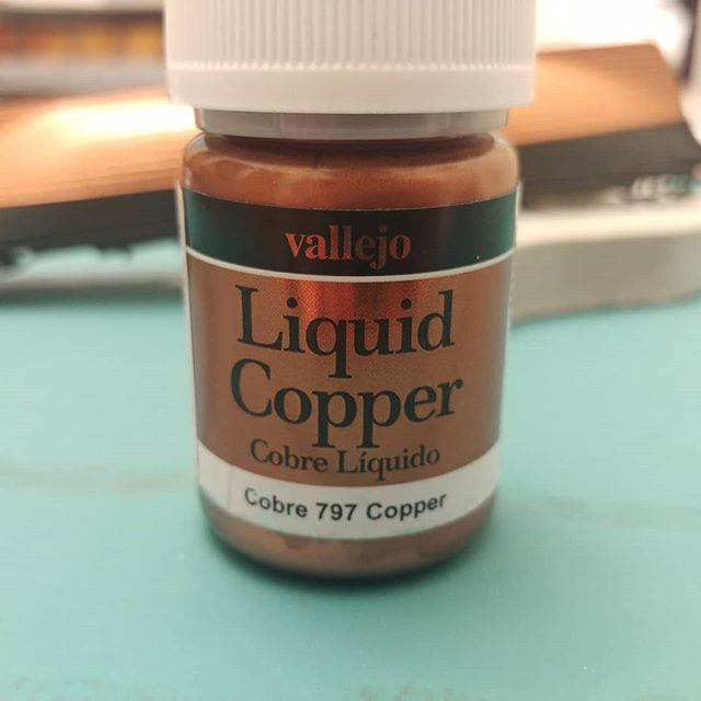 I wasn't expecting a copper effect this good, I'm really pleased with Vallejo's liquid copper. #vallejo #academy #cuttysark