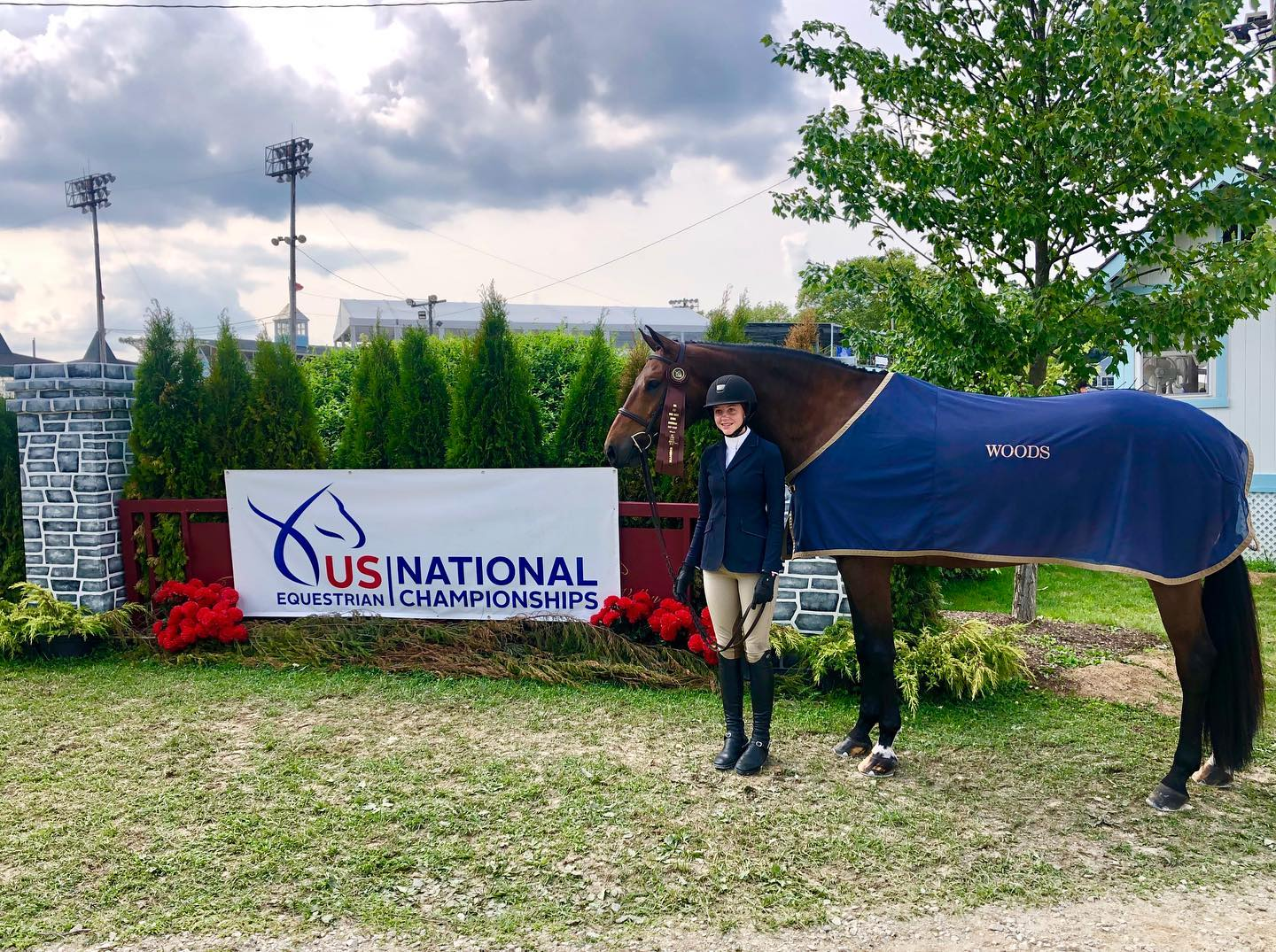 Big shoutout to Olivia Woods and her What A Wonder. They finished eighth of 69 entries in the Junior Hunter 16-17 Handy at the USEF Junior Hunter Finals East!