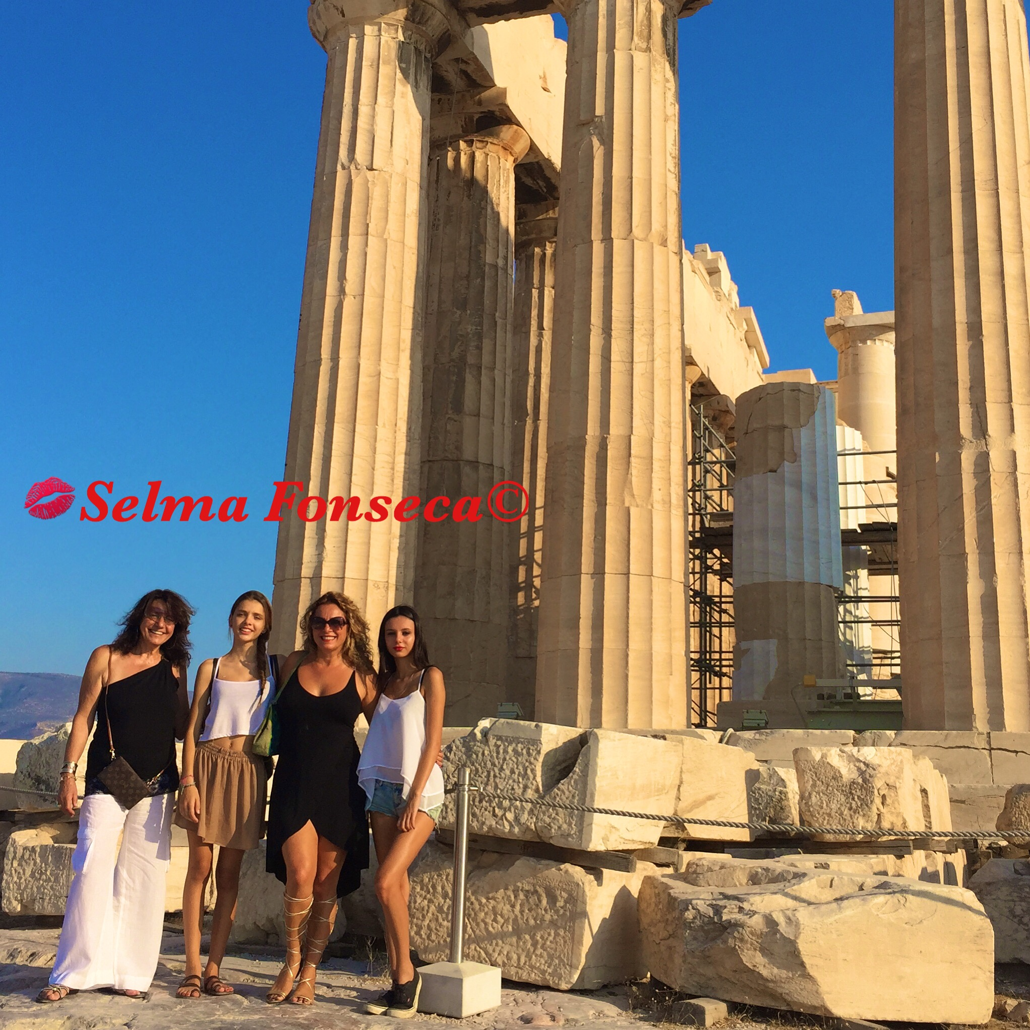 Acropoli with family Selma Fonseca.JPG