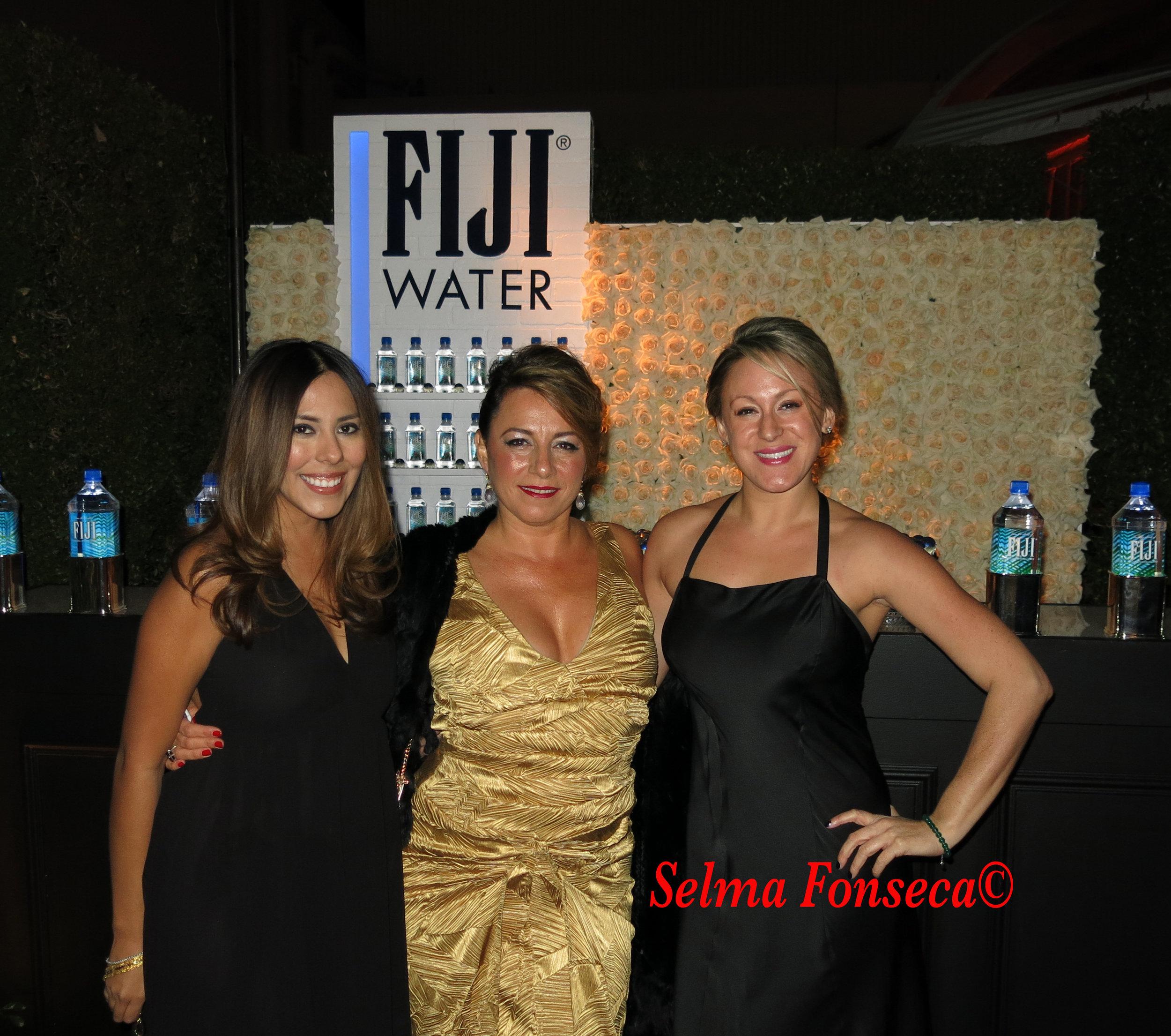 Fiji girls.jpg