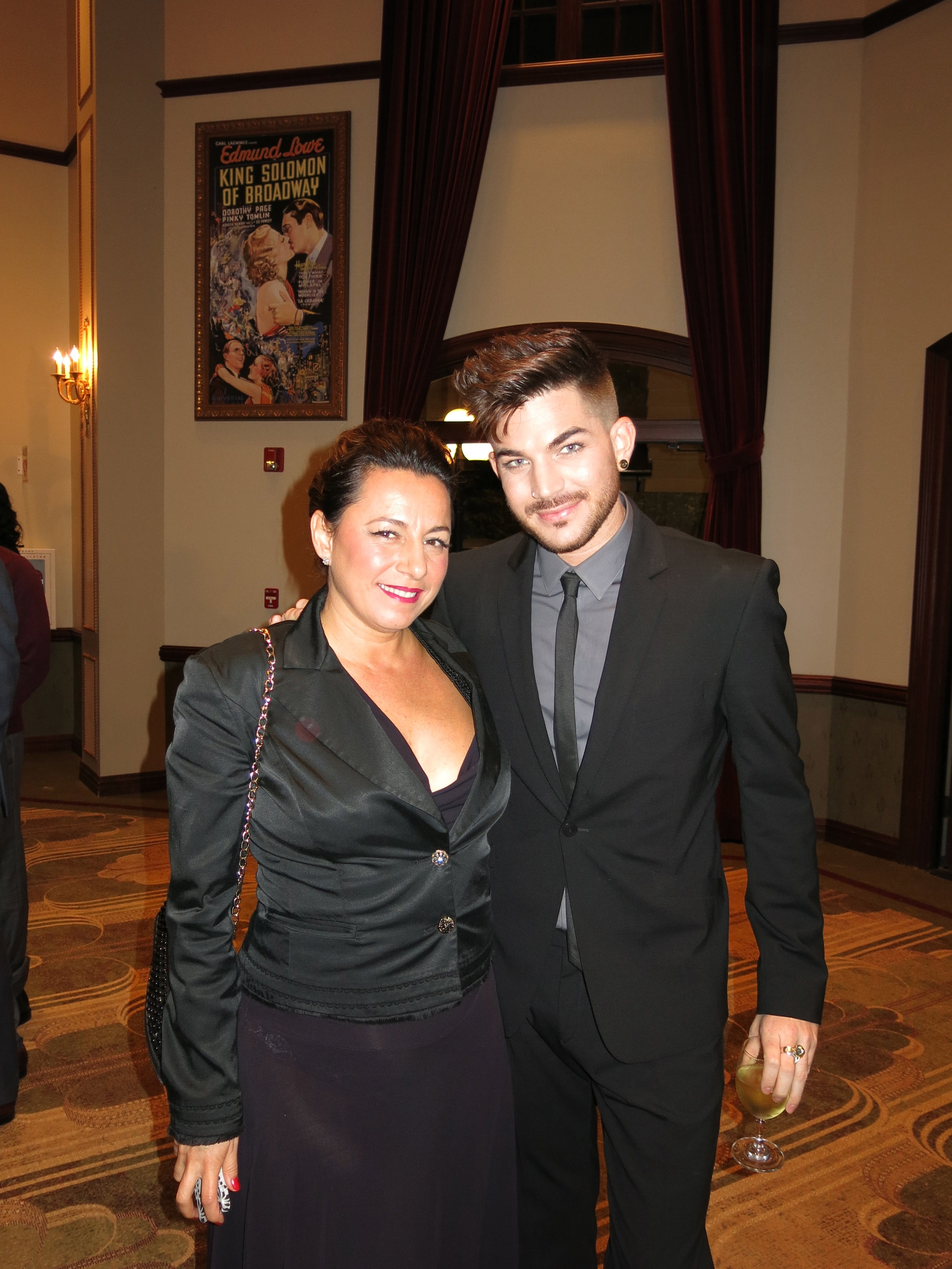 Adam Lambert Selma Fonseca.jpg