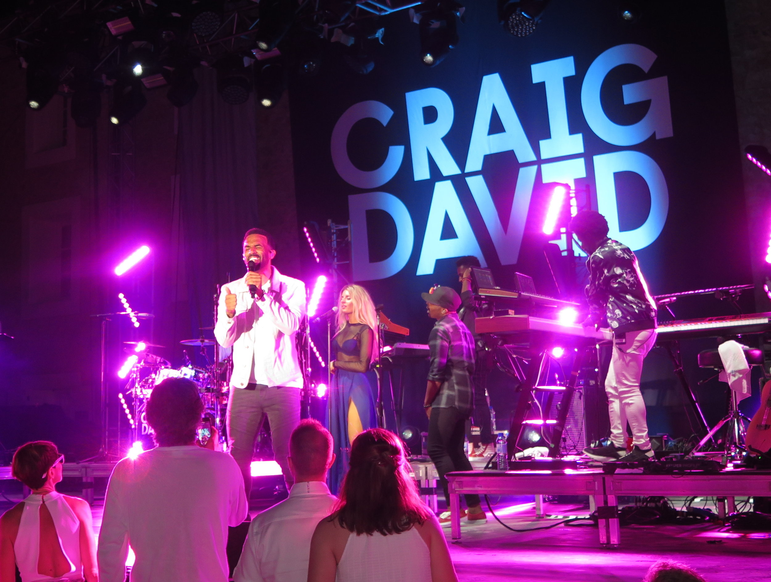 Craig David singing. Photo by Selma Fonseca