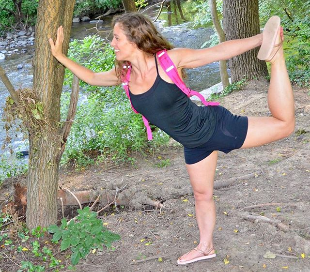 You're exercising in the park, so lighten up a little. #vrypac #babybackpack #hike #vry #yoga #yogalife #yogainspiration #hiking #outdoors #stretch #stretching