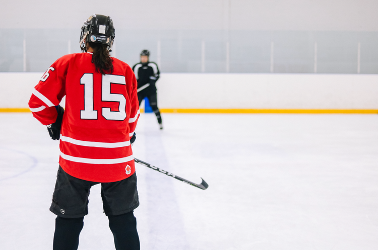Hockey Clinics For Women   On-ice hockey practices perfect for women of all skill levels, from beginner to experienced. Practice your skills by participating in fun, dynamic drills and activities.
