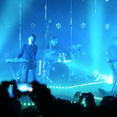 tegan-and-sara-tour-effects-lighting-equipment-rentals-custom-video-rgb-lighting-10twelve.JPG