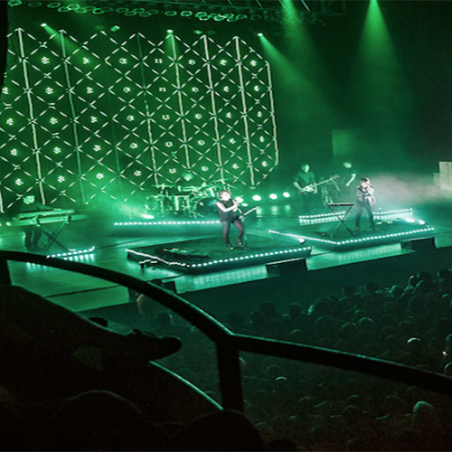 tegan-and-sara-tour-full-motion-video-philips-color-kinetic-rgb-lighting-10twelve.JPG