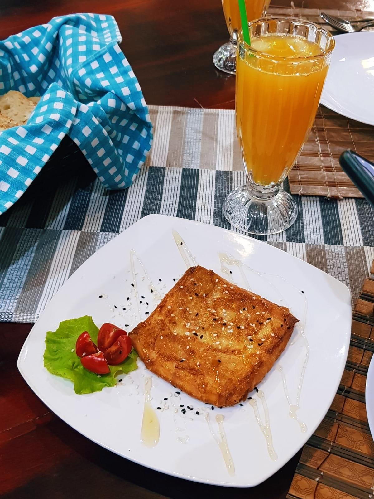 Saganaki at Mamma's Kitchen in Sarande.