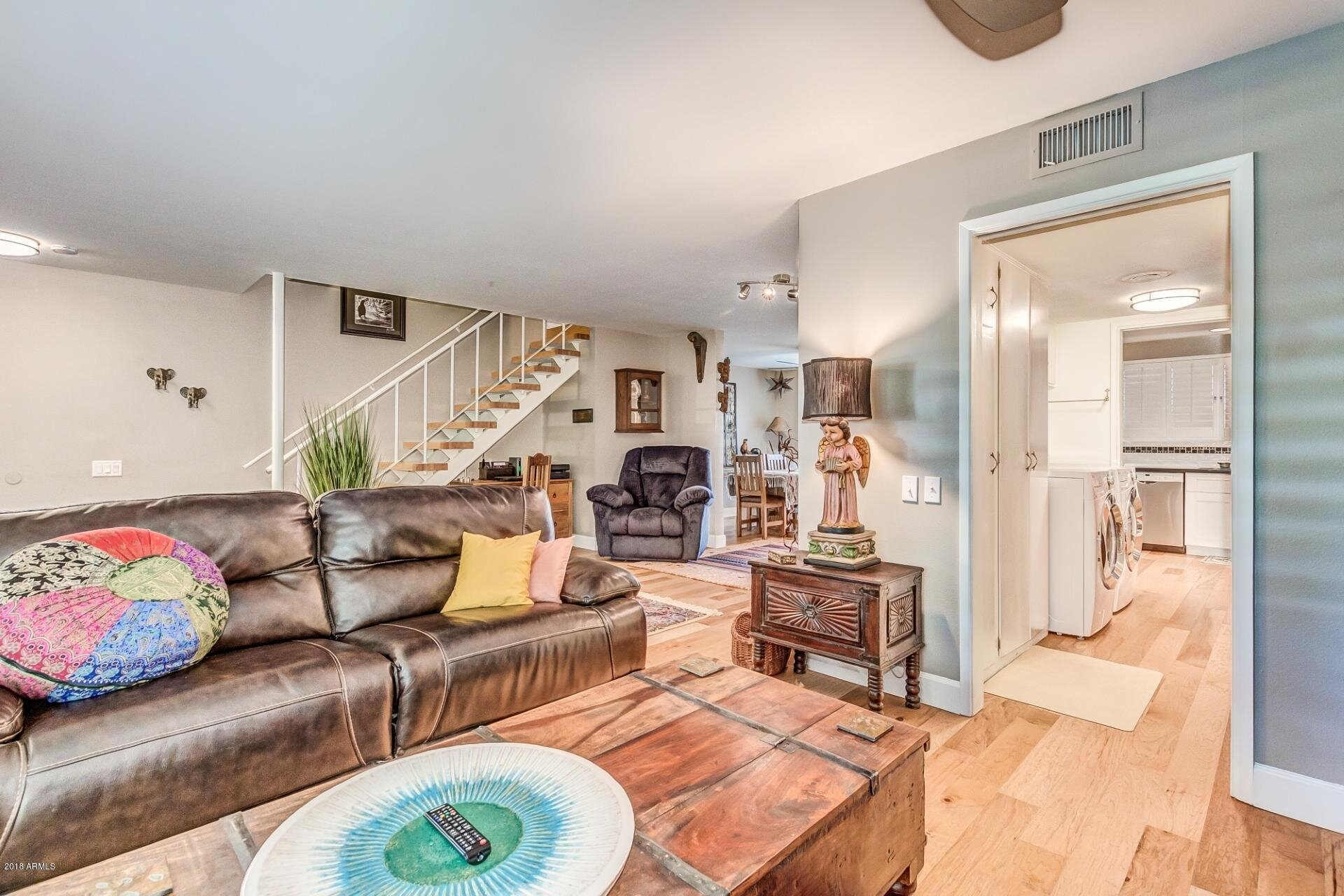 500 w. clarendon - Built in 1962 this location is in the heart of Phoenix. Easily walk to the light rail & easily get to shopping, restaurants & entertainment in Downtown Phoenix,
