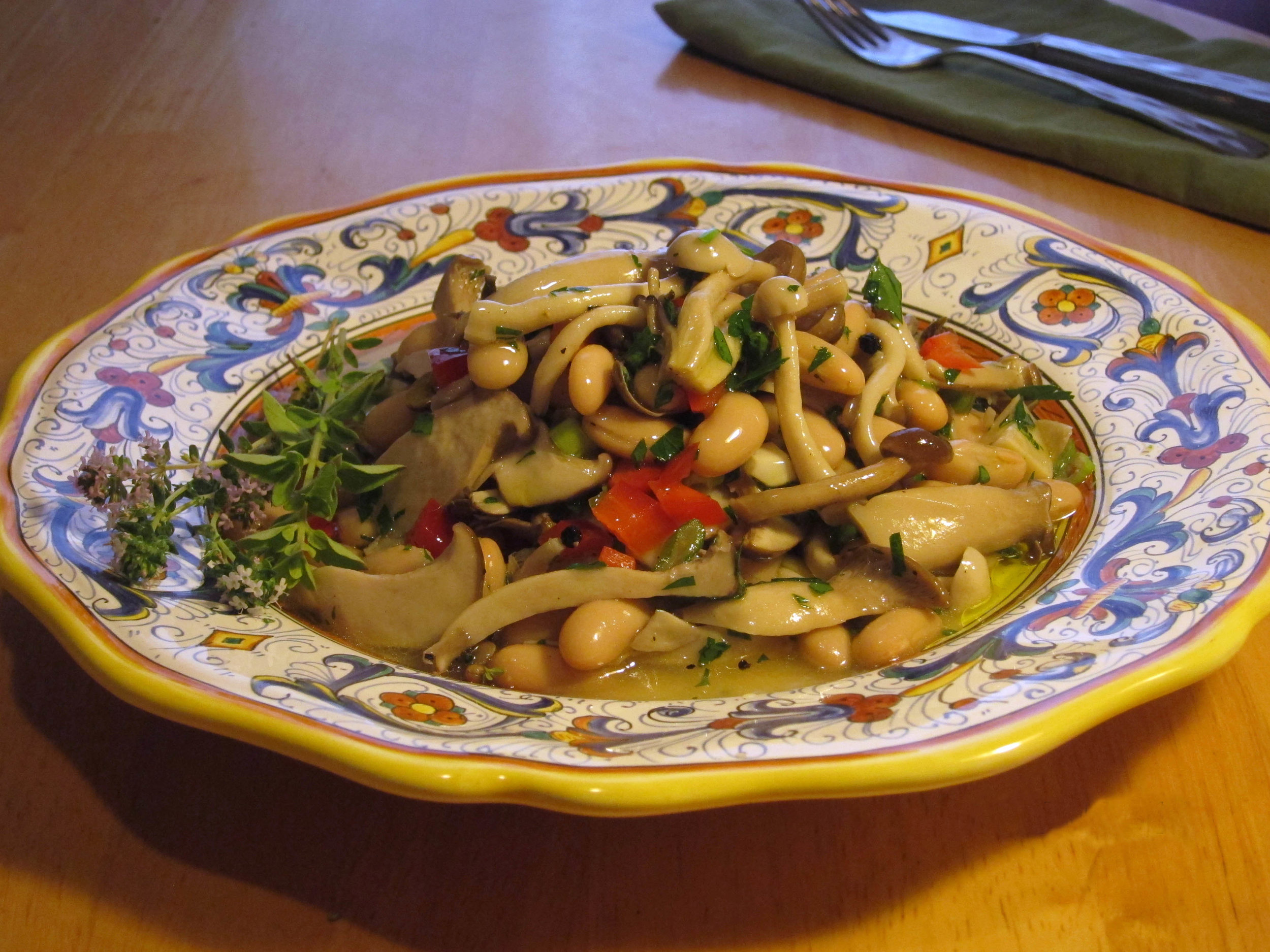 Pickled-Mushrooms-with-Beans.jpg