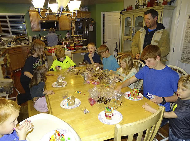 I hosted Christmas with my Mom's help! Here is the gingerbread making activity