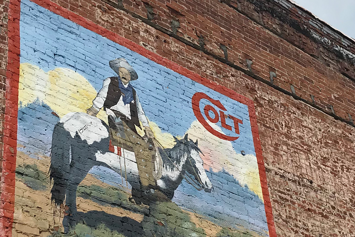 Old cowboy town + huge wall paintings = DOPE.