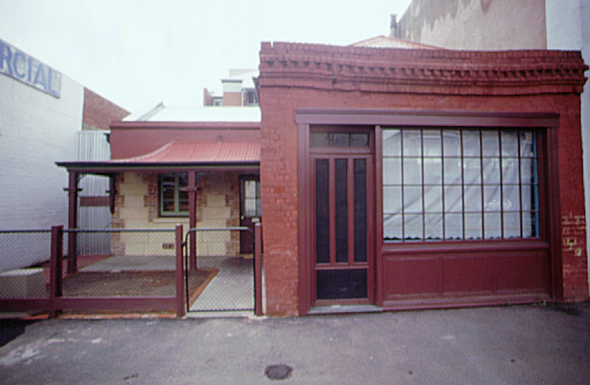 2001 - 293 Morphett Street