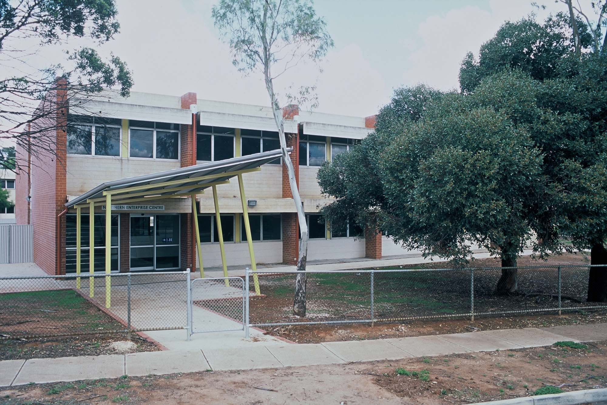 2003 - Smithfield High School Enterprise Centre