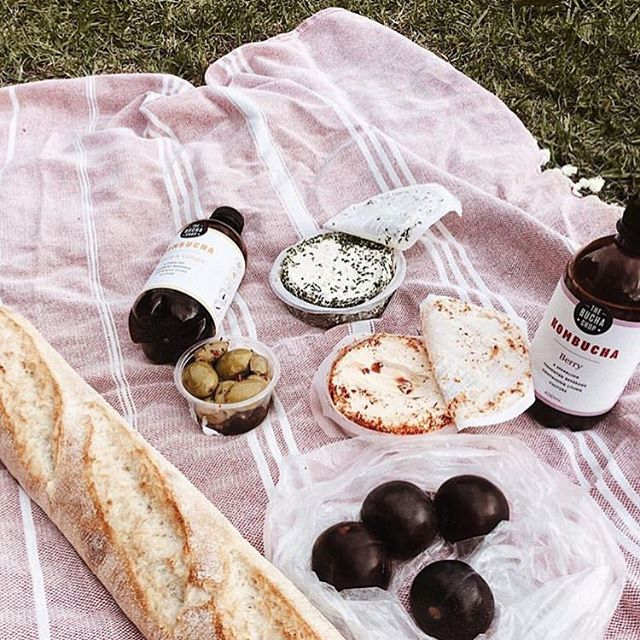 Great day for a picnic! Thanks for the share @sunnivakamp 💞 #thebuchashop #boochlife #booch