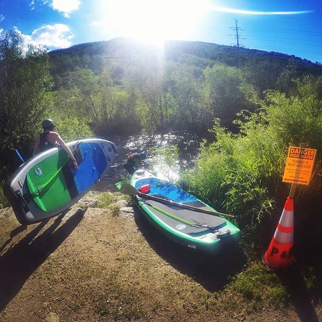 ⚠️DANGER⚠️ Tubing is not advised! 🤣 getting the last of those big waves as the Mighty Yampa recedes in the summer heat🌡🔥 . . . @halagearsup #flotilla #pullover #july4th #highwater #mightyyampa #yampaiswild #townmeeting #towncanyon #goodbyewaves