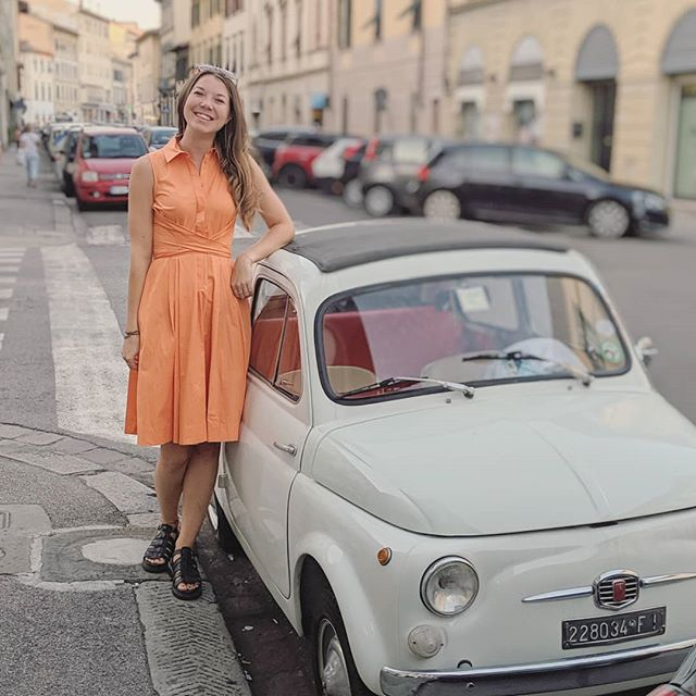 Cute cars + all the carbs 🇮🇹🍕