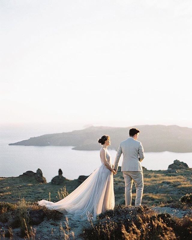 REPOST: Santorini sunsets ✨. Cannot wait to return next summer for some more weddings with @thinkhappyevents . #greece #sunset #santorini #santoriniwedding #santorinielopement #santoriniweddingphotographer #greecewedding #greeceweddingphotographer #kinsternawedding #destinationweddingphotographer #destinationwedding #caldera #mykonoswedding #greekislands #islandwedding #elopementphotographer #italyweddingphotographer #tuscanyweddingphotographer #irelandweddingphotographer #ukweddingphotographer #santoriniprewedding #destinationprewedding #provenceweddingphotographer : @katiegrantphoto