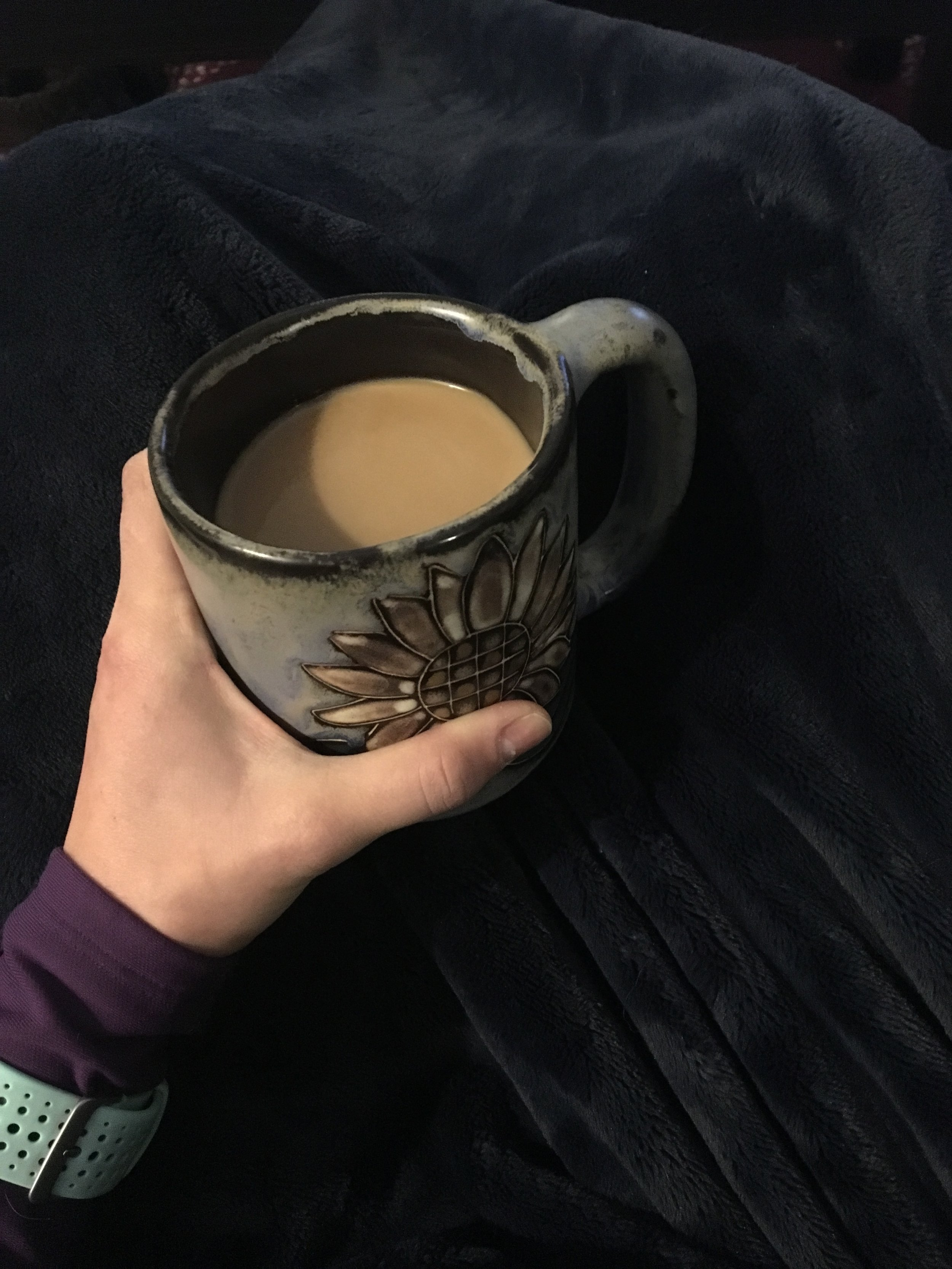 Coffee & a warm blanket before a long run= perfection.