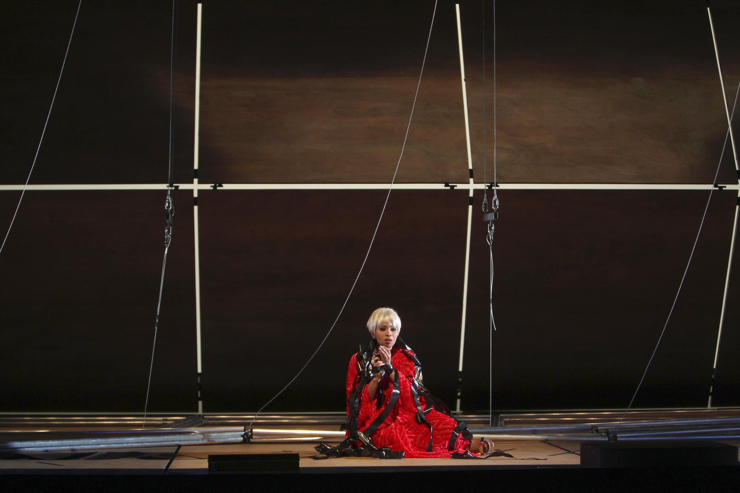 Sibilla in World Premiere of  La bianca notte  at Staatsoper Hamburg. Photo by örg Landsber.